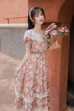 • Delicate and fresh floral printing, sexy lace decoration; • Elastic slim waist design, elegant and beautiful; • Soft, light-weight and breathable fabric, comfortable to wear; • Perfect for various occasions: work, dating, beach, travel… 1980s Dresses, Vintage Dresses, Prom Dresses, Floral Chiffon, Floral Lace, Beautiful Casual Dresses, Vintage Movie Stars, Retro Summer, Lace Decor