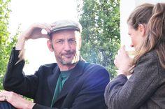 Mit aktuellen figürlichen Bildern und Architekturzeichnungen haben Myriam Resch und Marc von Criegern am 9. Juni die Ausstellungssaison des LehmbruckMuseums im TURM eröffnet, mitten im Duisburger Innenhafen. Mit zwei bis drei Ausstellungen pro Jahr wird das Museum diesen besonderen Ort künftig künstlerisch bespielen und beleben.