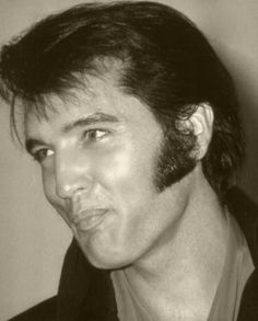 Elvis - 69 Press Conference - pucker up precious