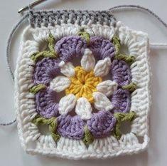 Örgü Bebek Battaniye - Mimuu.com Easy Crochet Stitches, Crochet Square Patterns, Baby Afghan Crochet, Crochet Blocks, Crochet Borders, Crochet Squares, Crochet Granny, Crochet Motif, Crochet Sunflower