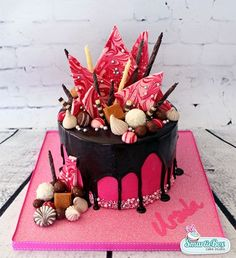 Pink Drizzle Cake, complete with chuckles, fudge, Lindor balls, meringues and other yummy chocolate things - SmartieBox Cake Studio (Drip Cake) Amazing Cakes, Beautiful Cakes, Drippy Cakes, Nake Cake, Chocolate Drip Cake, Chocolate Bark, Gateaux Cake, Cake Decorating Tips, Fancy Cakes