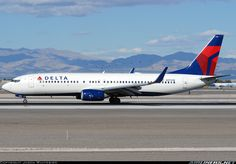 Delta Air Lines N3745B Boeing 737-832 aircraft picture