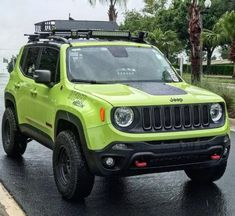 There's the green Jeep. Jeep Gear, Jeep Xj, Green Jeep, Military Jeep, Jeep Mods, Poses Photo, Jeep Commander, Jeep Cherokee Xj, Jeep Patriot