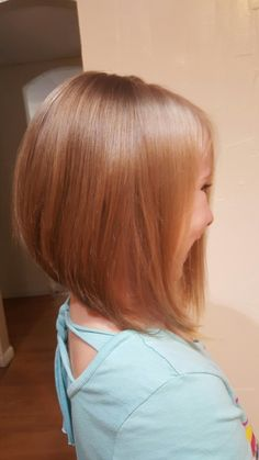 Little Girls Hair Cu meisjes haar Cu Little Girl Bob Haircut, Little Girl Short Hairstyles, Short Hair For Kids, Bob Haircut For Girls, Short Hair Cuts, Short Hair Styles, Teen Haircuts, Childrens Hairstyles, Summer Haircuts