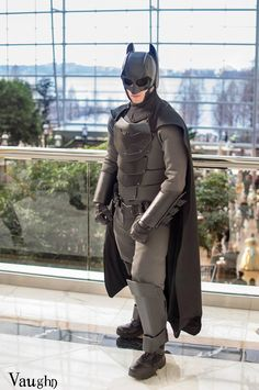 A Student Makes a Real-Life Version of Batman's Armored Batsuit Out of Kevlar, Kydex Plating, & Impact-Resistant Foam Batman Cosplay Costume, Cosplay Costumes, Batman Armor, Combat Suit, Kydex, Comic Books Art, Marvel Dc, Martial, Art Reference