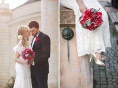 #Brautpaarfotos mit #Rotem #Brautstrauß • wedding pictures with a red flower bouquet