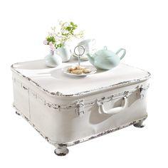 Vintage Couchtisch weiß in Barock Optik versandkostenfrei bestellen auf: http://moebeldeal.com/wohnbereiche/wohnzimmer/moebel/5849/vintage-truhe-couchtisch-retro-look