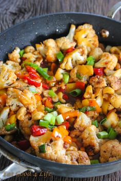 Made May 2014 and it was gone in seconds. I doubled the sauce. Kung Pao Cauliflower Very good for vegetarian dinner. Paleo Recipes, Asian Recipes, Whole Food Recipes, Low Carb Recipes, Dinner Recipes, Cooking Recipes, Chinese Recipes, Low Carb Vegitarian Recipes, Simple Recipes