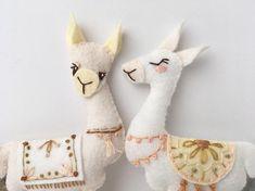Animal Sewing Llama Plush Felt Animals Sewing pattern for felt ornaments or Animal Sewing Patterns, Stuffed Animal Patterns, Craft Patterns, Stuffed Animals, Stuffed Toys, Alpacas, Llama Plush, Adventure Nursery, Cute Llama