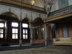 Topkapi Palace - Reviews ee: Yes Recommended length of visit: 2-3 hours Traveller Description:  Ottoman Relics Tour by Tourqo.com (SAC2) Half Day Afternoon Tour (Walking Tour) Topkapı Palace was the main residence of the sultan and his court.