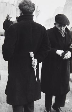 Paris New Year (Young Man with Tulip), 1949 © Robert Frank. S)