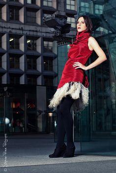 Nouvelle séance avec Fanny et toujours à la Défense, mais en mode été avec la chaleur on se coup-ci.  Première sortie aussi avec les Quadra --- Mode In love    Modèle : Fanny Deceur (www.fanny-modele.book.fr/)  Make-up : Alexandra  Dress : Olivia Rigaud  S mdls