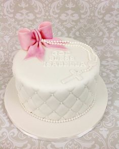 Classic cake equally good for christening, confirmation or communion alike. Communion Solennelle, First Holy Communion Cake, Fondant Cakes, Cupcake Cakes, Cupcakes, Comunion Cakes, Quilted Cake, Confirmation Cakes, Baptism Cakes