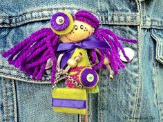 Broche muñeca fieltro pelo morado muñecas por elrinconcitodezivi