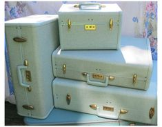#samsonite #kids #luggage #samsonitekidsluggage Vintage sparkle Samsonite luggage from the 1950's Best Travel Luggage, Cute Luggage, Kids Luggage, Luggage Sets, Travel Bags, Vintage Suitcases, Vintage Luggage, Vintage Bags, Vintage Travel