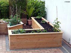 Gemüse selber anbauen? Kein Problem. Und im selbst gebauten Hochbeet macht die Ernte gleich doppelt so viel Spaß. Weiter zur Bauanleitung.