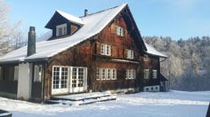 Gruppenhaus Löchli, Niederglatt, Schweiz Style At Home, Cabin, House Styles, Home Decor, Cottage House, Switzerland, Decoration Home, Room Decor, Cabins