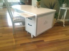 Re-purposed oak teacher's desk. Painted with Vintage Soul chalk-based paint and then waxed. Beautiful!