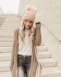 double Pom beanie / barefoot dreams cardigan / fall outfit ideas / winter outfit ideas / layered outfits / blogger fashion / @heatherpoppie