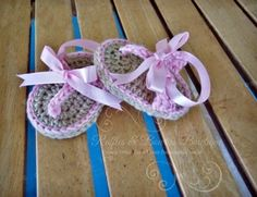 Items similar to Baby Shoe Crochet Sandals Flip Flops with Ribbon Infant Wedding Beach on Etsy Baby Flip Flops, Girls Flip Flops, Flip Flop Sandals, Shoes Sandals, Crochet Baby Sandals, Crochet Shoes, Crochet Baby Booties, Knitted Baby, Crochet Bebe