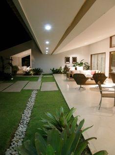 40 Fabulous Modern Garden Designs Ideas For Front Yard and Backyard – front yard design modern Modern Garden Design, Patio Design, Modern House Design, Exterior Design, Landscape Design, Front Yard Landscaping, Backyard Patio, Landscaping Ideas, Backyard Ideas