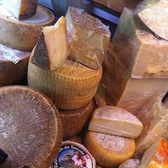 Cheeeeeese! Exploring Reggio Emilia today. Can you guess what they're known for? - Instagram by @Rachelle Lucas