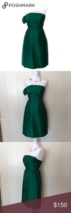 Anna Elyse Emerald Green Bridesmaid Cocktail Dress This beautiful Anna Elyse Emerald Green Bridesmaid Cocktail Dress is perfect for any wedding your in or for that next special event! The dress didn't quite fit my mannequin, thus why it is not zipped all the way. This zipper works just fine!    LIKE NEW EXCELLENT CONDITION BUILT IN BREAST PADS NO DEFECTS PLEASE ASK FOR MEASUREMENTS BEFORE PURCHASING Anna Elyse Dresses