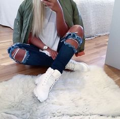 (50/50) Tomboy // Army Green Bomber Jacket, White T-Shirt, De-stressed Blue Skinny Jeans, White Timberlands