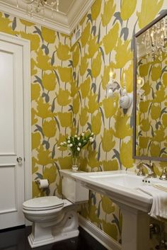 15 Bold Wallpaper Designs That Are Nothing Short Of Amazing Yellow floral wallpaper print in bathroom. This photo looks stunning, to say the least. Small Bathroom Wallpaper, Powder Room Wallpaper, Bold Wallpaper, Graphic Wallpaper, Large Print Wallpaper, Unusual Wallpaper, Leaves Wallpaper, Amazing Wallpaper, Interior Wallpaper