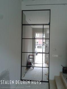Stalen taatsdeur met bovenlicht, Project A'dam Bennebroek Dekru iron framed doors taatsdeuren stalen deuren pivot deuren steel doors