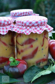 Gogosari in sos de mustar – Halle My Recipes, Cooking Recipes, Romanian Food, Romanian Recipes, Canning Pickles, Jacque Pepin, Good Food, Yummy Food, Preserves