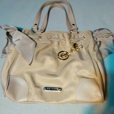 Juicy Couture Handbag JC Large Handbag great Condition Beige Like New. Juicy Couture Bags