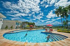 Un día precioso para relajarse en esta piscina en #LaVirginia #Risaralda. #FotoDelDia EnMiColombia.com