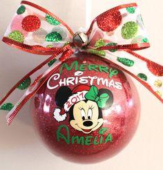 Disney Christmas Tree Decorations, Disney Christmas Crafts, Christmas Ornament Crafts, Personalized Christmas Ornaments, Diy Christmas Gifts, Christmas Projects, Christmas Ideas, Merry Christmas, Disney Crafts