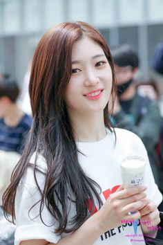 Kpop Girl Groups, Korean Girl Groups, Kpop Girls, Jung Chaeyeon, Ioi, Korean Singer, South Korean Girls, Girl Crushes, Asian Beauty