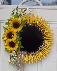 Image may contain: flower, plant and outdoor Sunflower Crafts, Sunflower Wreaths, How To Make Sunflower, Dollar Tree Decor, Dollar Tree Crafts, Wreath Crafts, Diy Wreath, Wreath Ideas, Door Wreaths