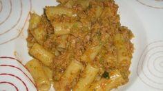 Pasta con zucchine tonno e mollica