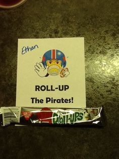 team signs for lockers Football Team Snacks, Football Treat Bags, Football Banquet, Football Spirit, Football Signs, Football Cheer, Football Boys, Football Favors, Sports Snacks