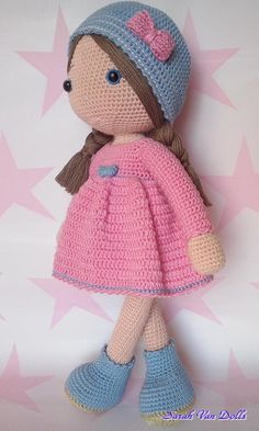 Muñecos - Muñeca Samy-Made with love from Spain. - hecho a mano por Sarah-Van-Dolls en DaWanda - Salvabrani Samy is a beautiful doll.Chain with Katia baby cotton wool. This Pin was discovered by LeoSamy is a beautiful doll.Chain with Katia baby cotton w Crochet Dolls Free Patterns, Crochet Doll Pattern, Amigurumi Patterns, Doll Patterns, Cute Crochet, Crochet Toys, Crochet Geek, Crochet Baby, Sewing Toys