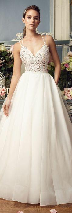 robe princesse disney, bustier avec bretelles, jupe volumineuse et épurée