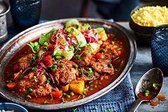 """Unser beliebtes Rezept für Tomatiges Puten-Ragout """"Garam Masala"""" und mehr als 55.000 weitere kostenlose Rezepte auf LECKER.de."""
