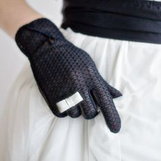 Upcycle your gloves by adding a simple Bow! Very quick and easy tutorial