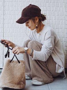 mi looks - mi looks - in 2020 Japan Fashion, Fashion 2017, Fashion Brands, Fashion Outfits, Womens Fashion, Cozy Fashion, Winter Fashion, Minimalist Fashion, Casual Chic