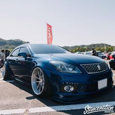Toyota Crown, Car Pictures, Car Pics, Toyota 4, S Car, Stance Nation, Toys For Boys, Big Boys, Cadillac