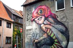 Street art is a wonderful way to express your creativity. Arguably the most well known street artist is Banksy. Here are 50 must see examples of street art. Street Art Graffiti, Graffiti Sketch, Street Art Utopia, Graffiti Artwork, Street Mural, Graffiti Artists, Berlin Graffiti, Urban Graffiti, Graffiti Wall