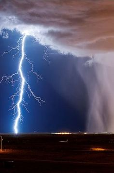 Stormy night in Albuquerque, New Mexico, USA http://www.pinterest.com/halinalis/breathtaking-view/