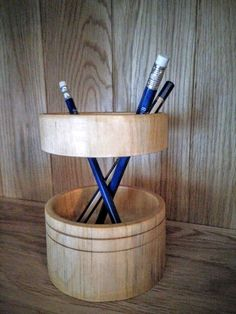 Floating ring pencil pot
