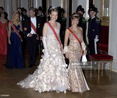 10 лет назад: 70летие короля Харальда V. Банкет: Группа В некотором царстве-государстве...