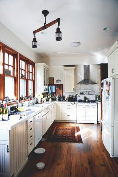 Colors (cabinets and counters)