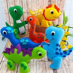 Dinosaur Kids Room, Dinosaur Toys, Cute Art Projects, Felt Crafts Patterns, Baby Dino, Sewing Stuffed Animals, Dinosaur Birthday Party, Felt Diy, Sewing Projects For Beginners